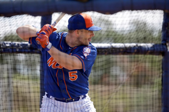 New York Mets' David Wright takes batting practice during spring training baseball practice Friday, Feb. 26, 2016, in Port St. Lucie, Fla. (AP Photo/Jeff Roberson)